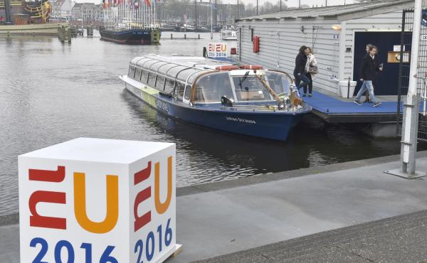 Doprava do Europe Building na Evropské konferenci mládeže