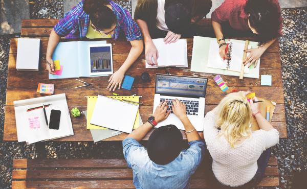 Esejistická soutěž Strukturovaného dialogu má své vítěze. Zdroj obrázku: shutterstock.com