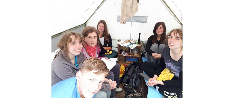 Skauti na táboře spolu přemýšlejí o tom, co potřebují v budoucnosti (Strukturovaný dialog s mládeží)